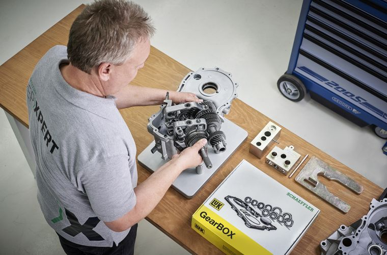 Schaeffler reveals new LuK BMW differential repair solution